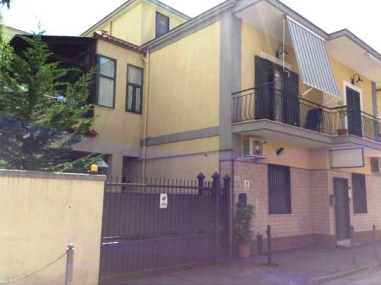 Appartamento in vendita a Torre del Greco, 3 locali, prezzo € 680.000 | CambioCasa.it