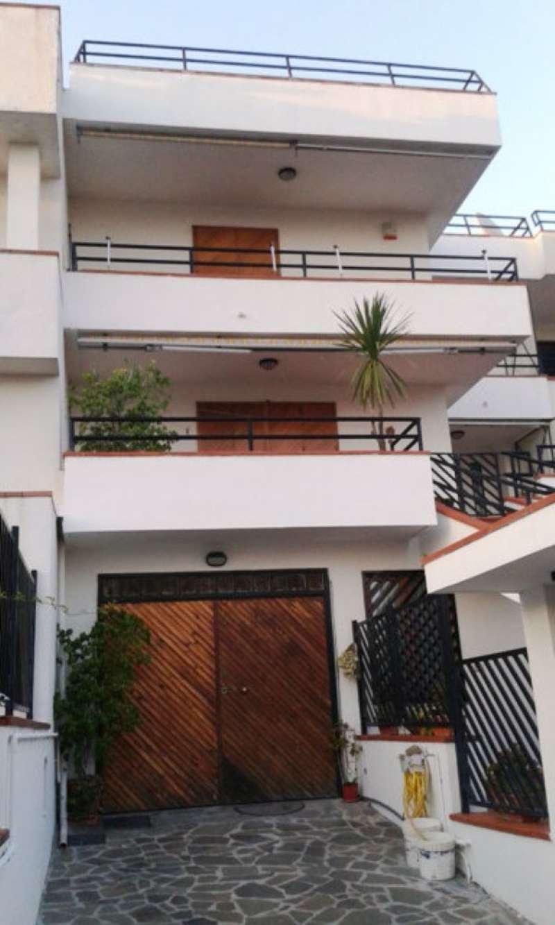 Villa in vendita a Torre del Greco, 4 locali, prezzo € 625.000 | Cambio Casa.it
