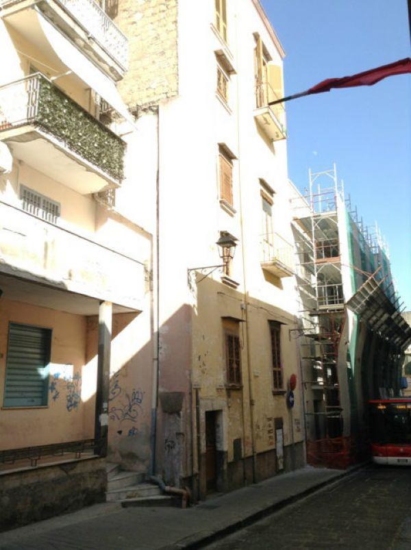 Palazzo / Stabile in vendita a Torre del Greco, 9999 locali, prezzo € 215.000 | Cambio Casa.it