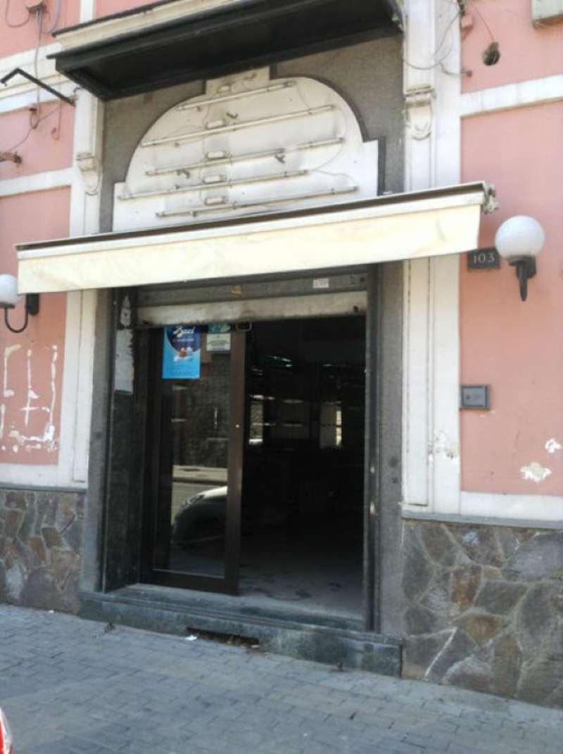 Negozio / Locale in affitto a Torre del Greco, 1 locali, prezzo € 1.700 | Cambio Casa.it