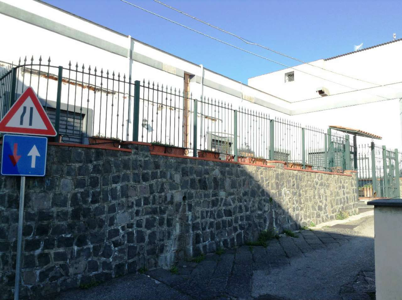 Negozio / Locale in Vendita a Torre del Greco