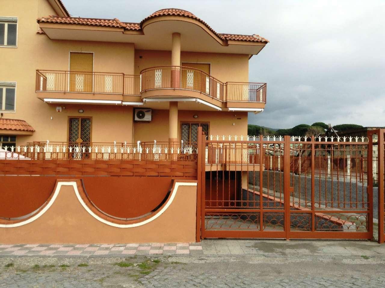 Appartamento in vendita a Torre del Greco, 4 locali, prezzo € 230.000 | Cambio Casa.it