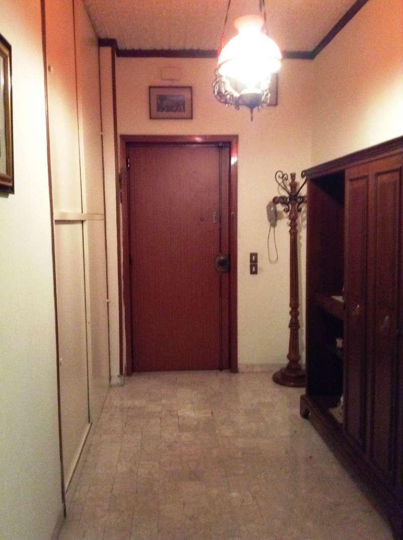 Appartamento in vendita a Torre del Greco, 4 locali, prezzo € 260.000 | Cambio Casa.it