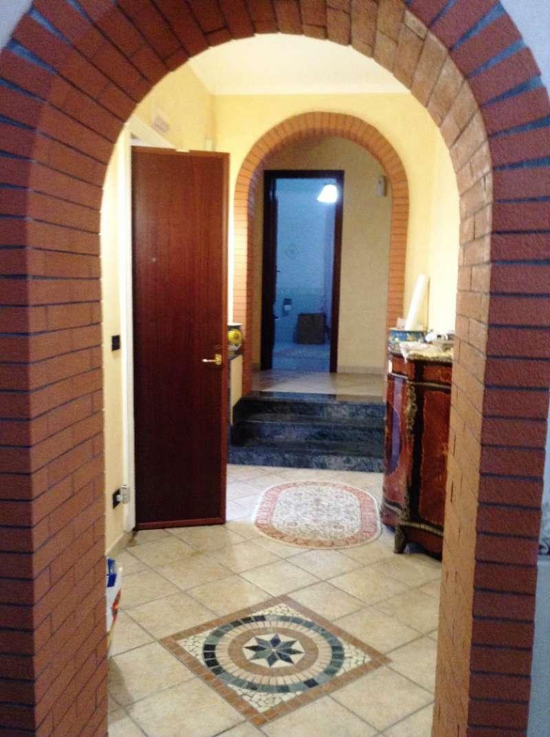 Villa in vendita a Torre del Greco, 3 locali, prezzo € 300.000 | Cambio Casa.it