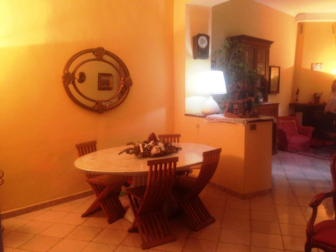 Appartamento in vendita a Torre del Greco, 4 locali, prezzo € 280.000 | CambioCasa.it