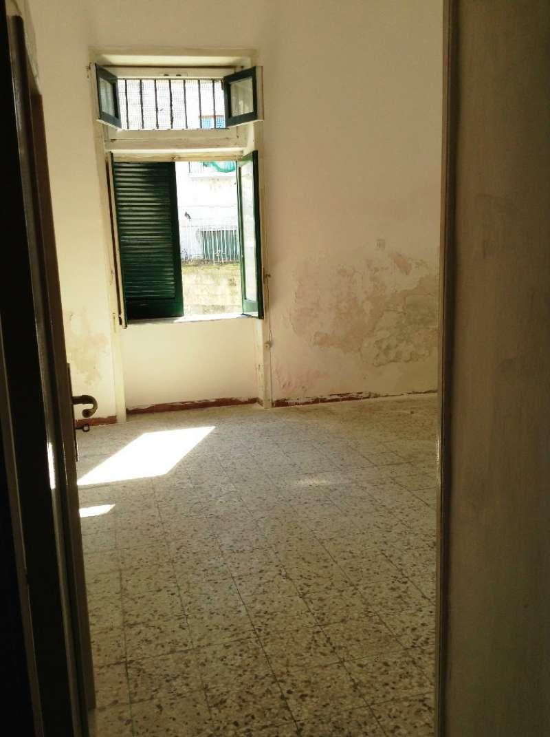 Appartamento in vendita a Torre del Greco, 2 locali, prezzo € 75.000 | Cambio Casa.it