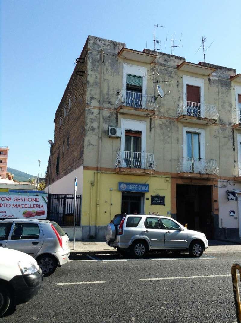 Appartamento in vendita a Torre del Greco, 3 locali, prezzo € 140.000 | Cambio Casa.it