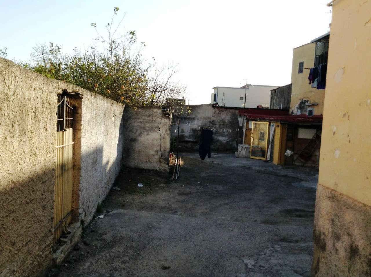 Appartamento in vendita a Torre del Greco, 1 locali, prezzo € 55.000 | CambioCasa.it