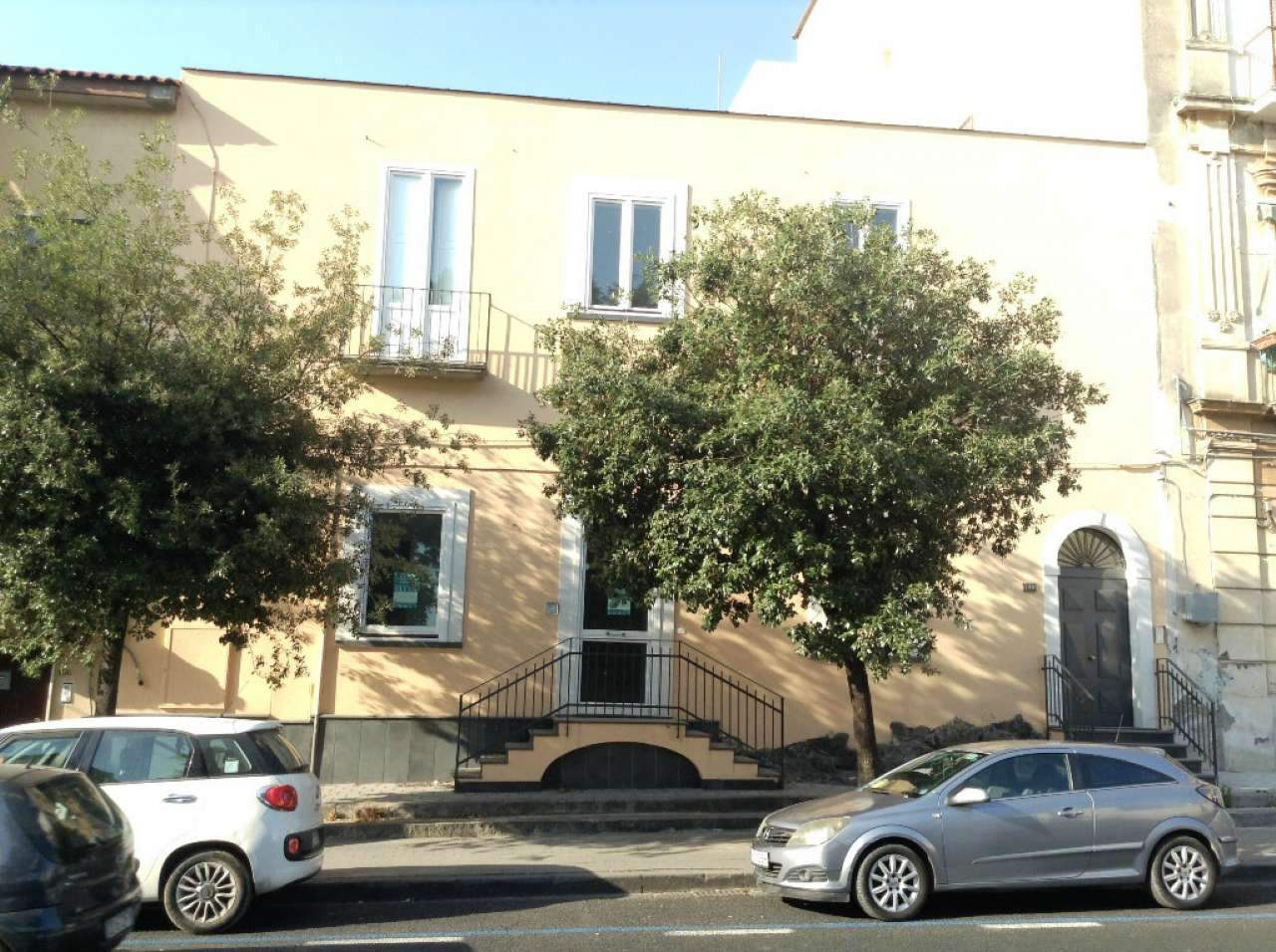 Negozio / Locale in affitto a Torre del Greco, 1 locali, prezzo € 2.000 | Cambio Casa.it