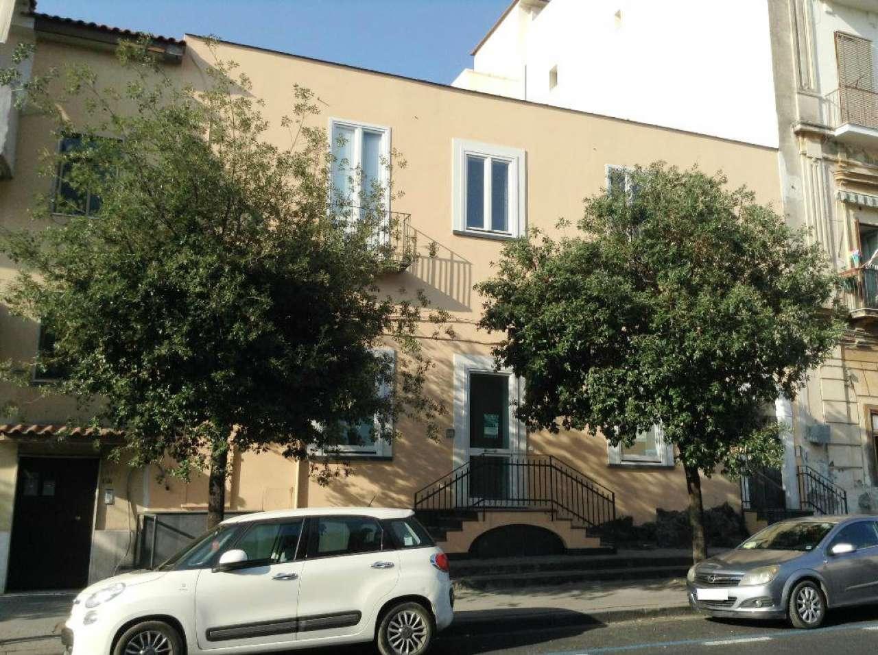 Ufficio / Studio in affitto a Torre del Greco, 1 locali, prezzo € 500 | Cambio Casa.it