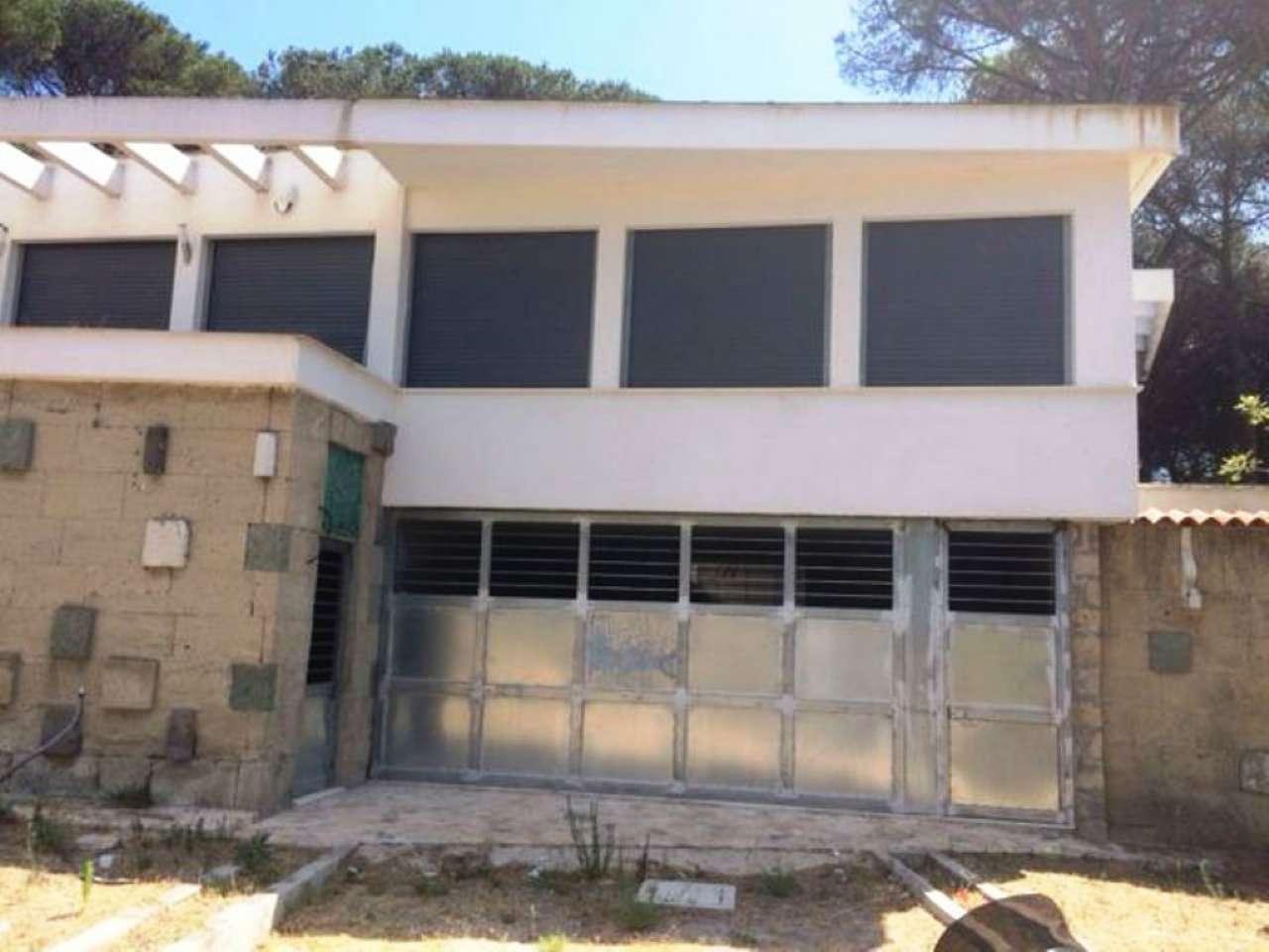 Casa Indipendente in Affitto a Torre Del Greco