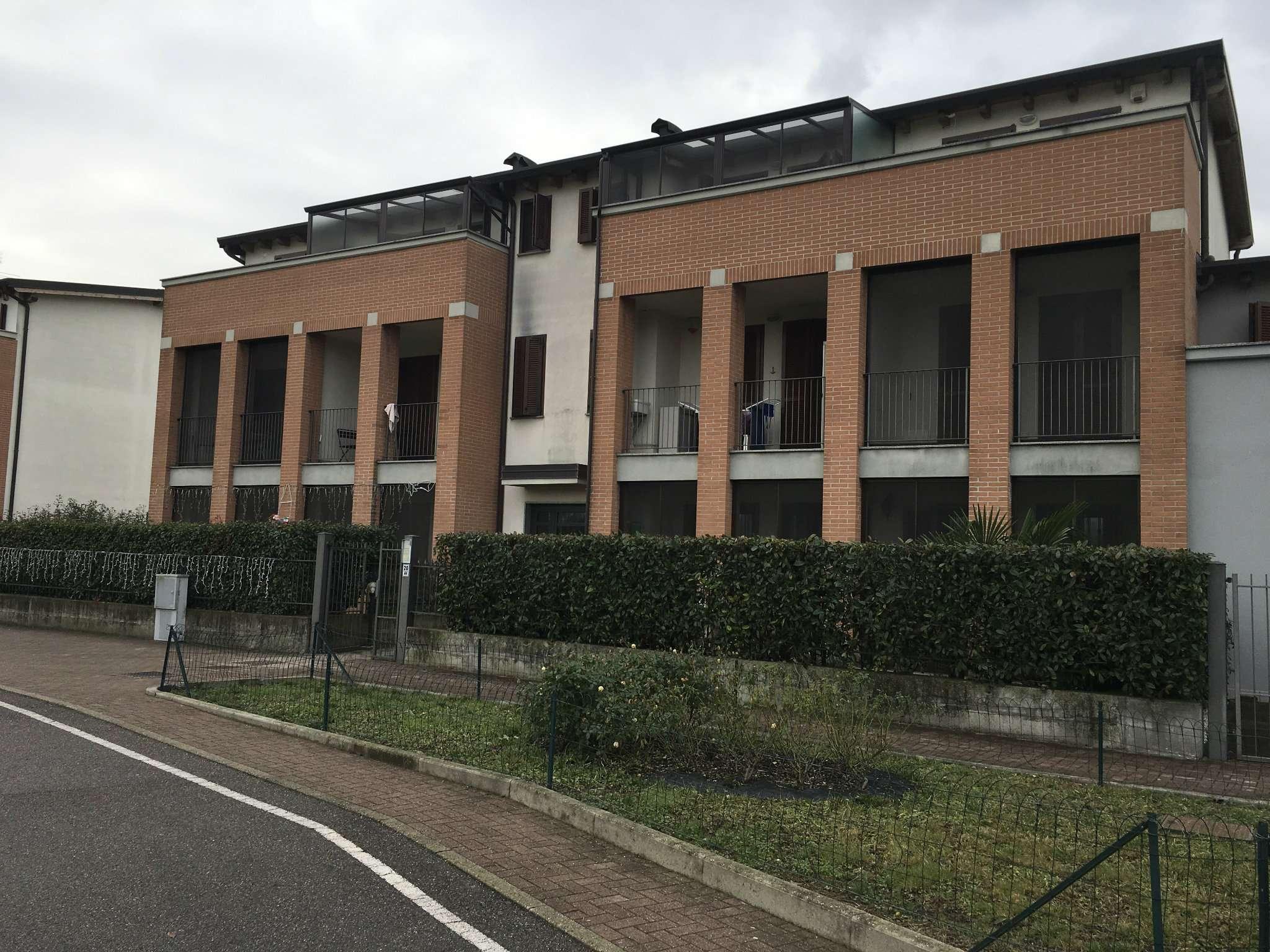 Appartamento in affitto a Rozzano, 2 locali, prezzo € 800 | CambioCasa.it