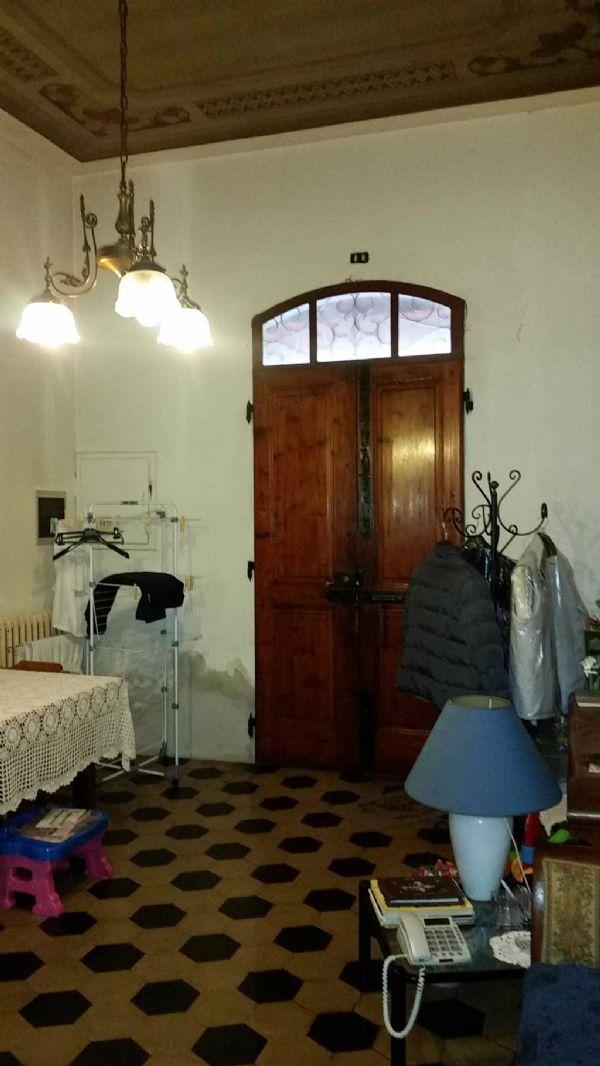 Palazzo / Stabile in vendita a Vinci, 6 locali, prezzo € 260.000   Cambio Casa.it