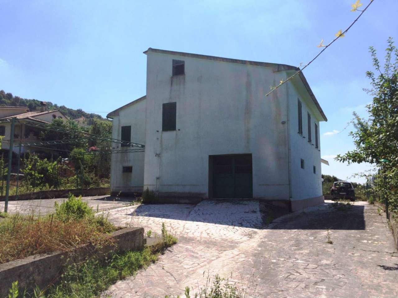Appartamento in vendita a Santi Cosma e Damiano, 4 locali, prezzo € 120.000 | Cambio Casa.it