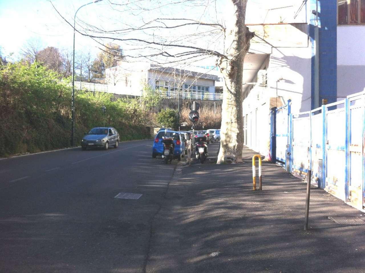 Appartamento in vendita 4 vani 108 mq.  via VIA GABRIELE JANNELI Napoli