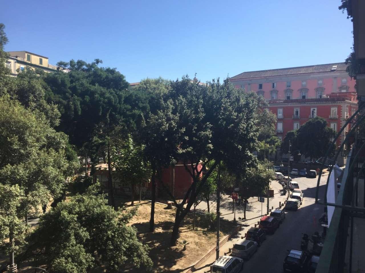 Appartamento in vendita 3 vani 100 mq.  piazza Piazza Cavour Napoli