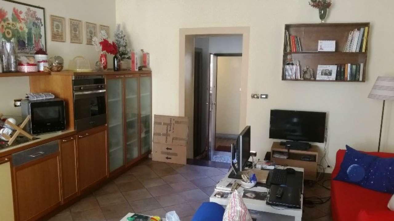 Foto 7 di Bilocale via LAGRANGE  13, Torino (zona Centro)
