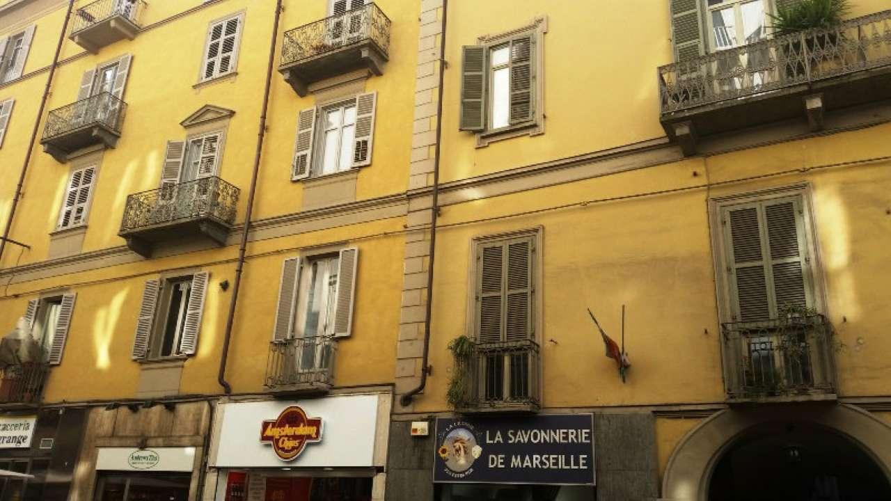 Foto 22 di Bilocale via LAGRANGE  13, Torino (zona Centro)