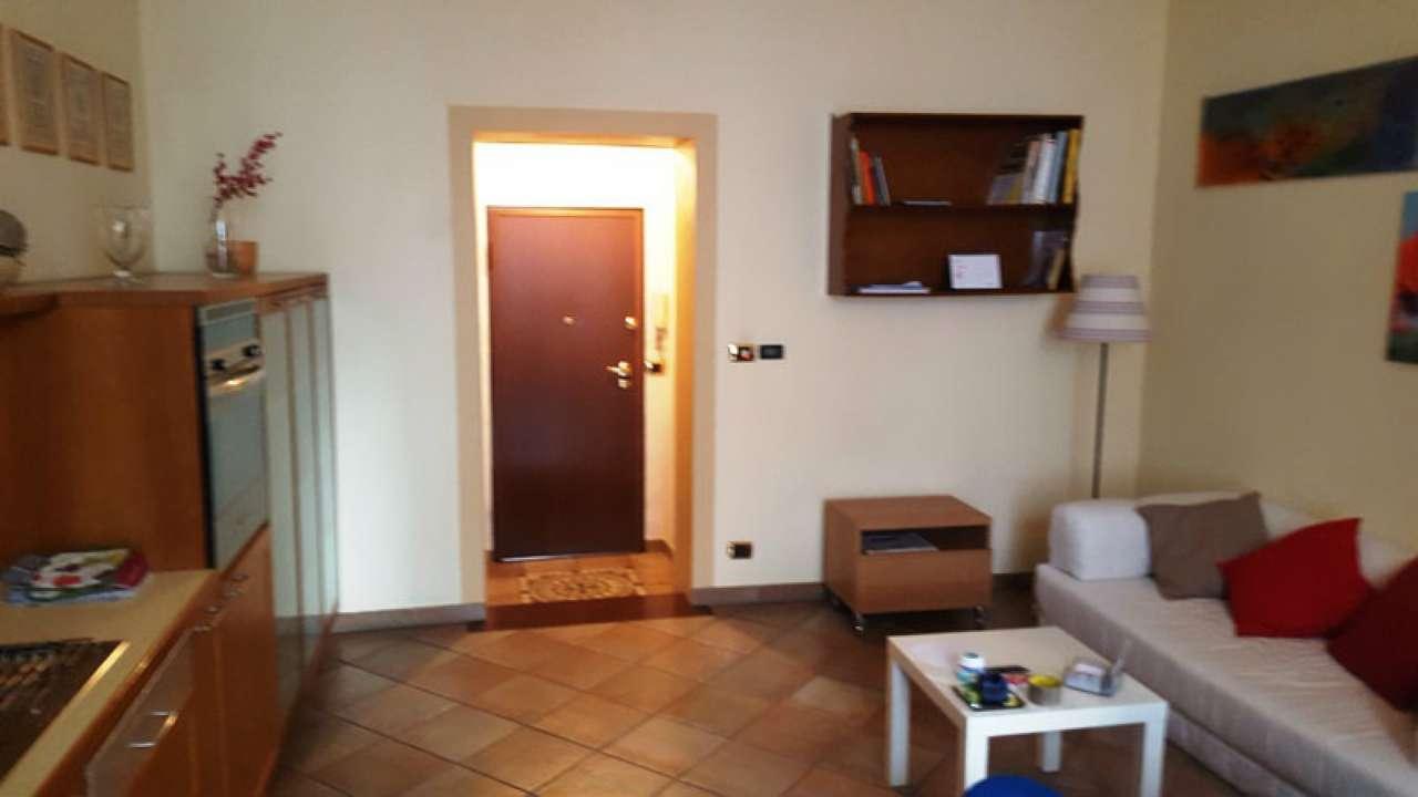 Foto 24 di Bilocale via LAGRANGE  13, Torino (zona Centro)
