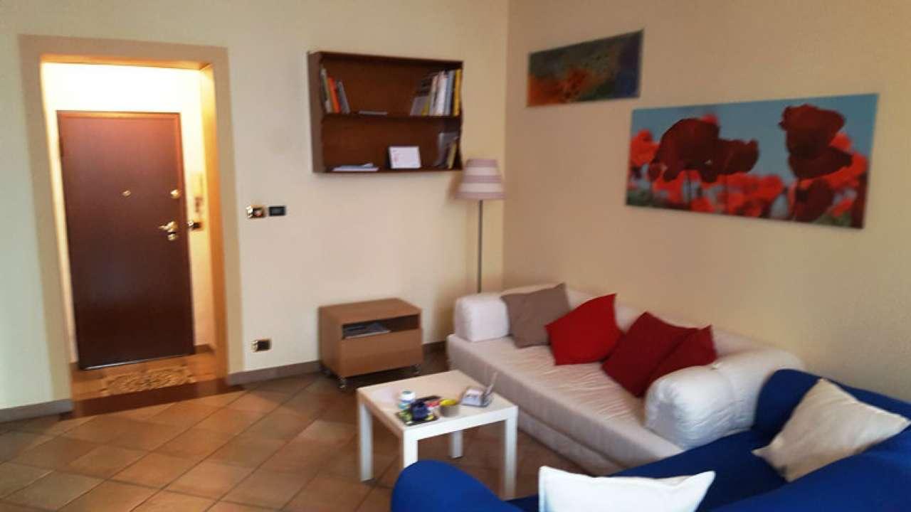 Foto 1 di Bilocale via LAGRANGE  13, Torino (zona Centro)