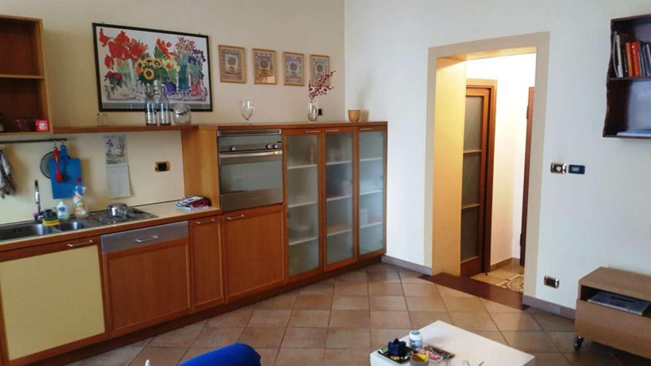 Foto 25 di Bilocale via LAGRANGE  13, Torino (zona Centro)