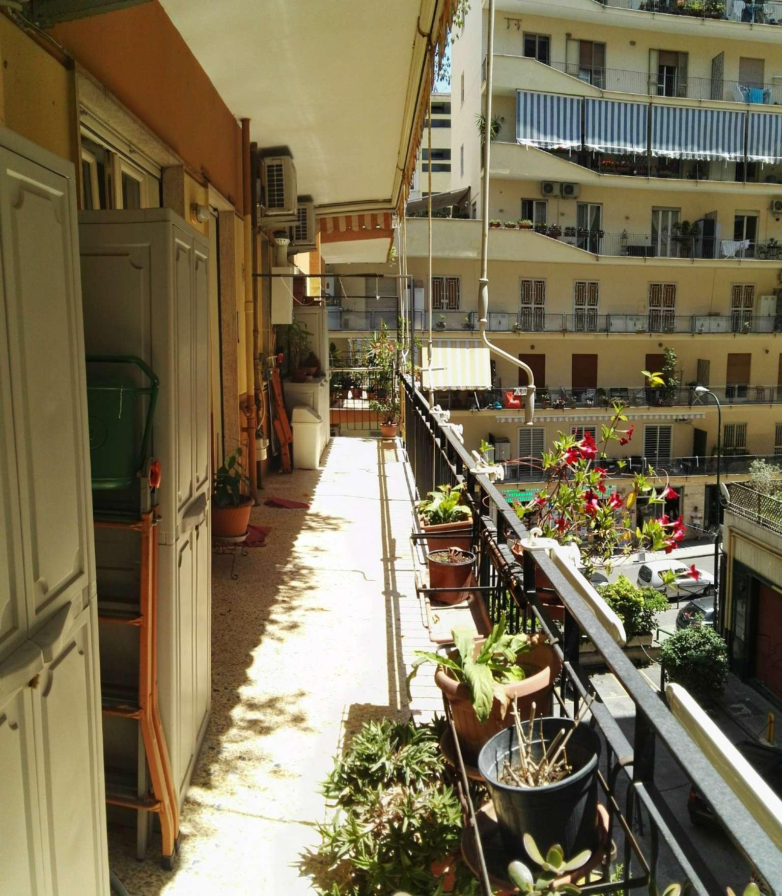 Bilocale Napoli Via Rodolfo Falvo 1