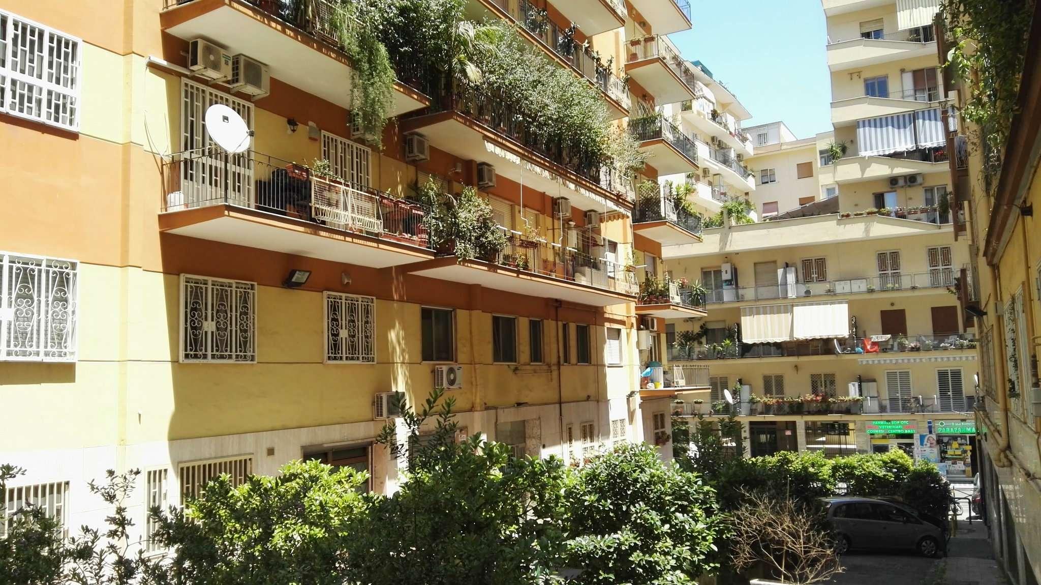 Bilocale Napoli Via Rodolfo Falvo 2