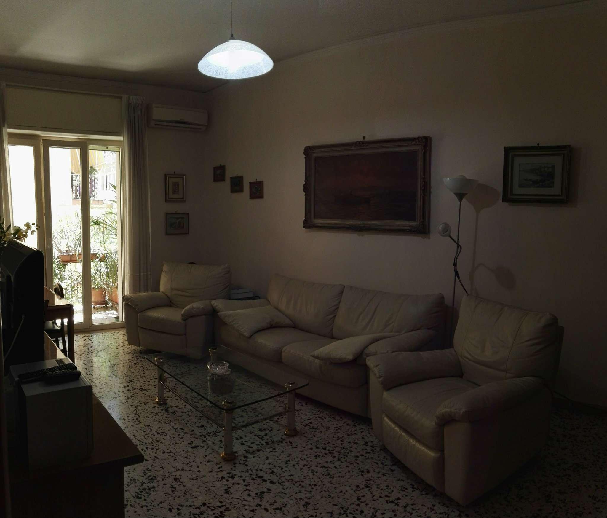 Bilocale Napoli Via Rodolfo Falvo 3