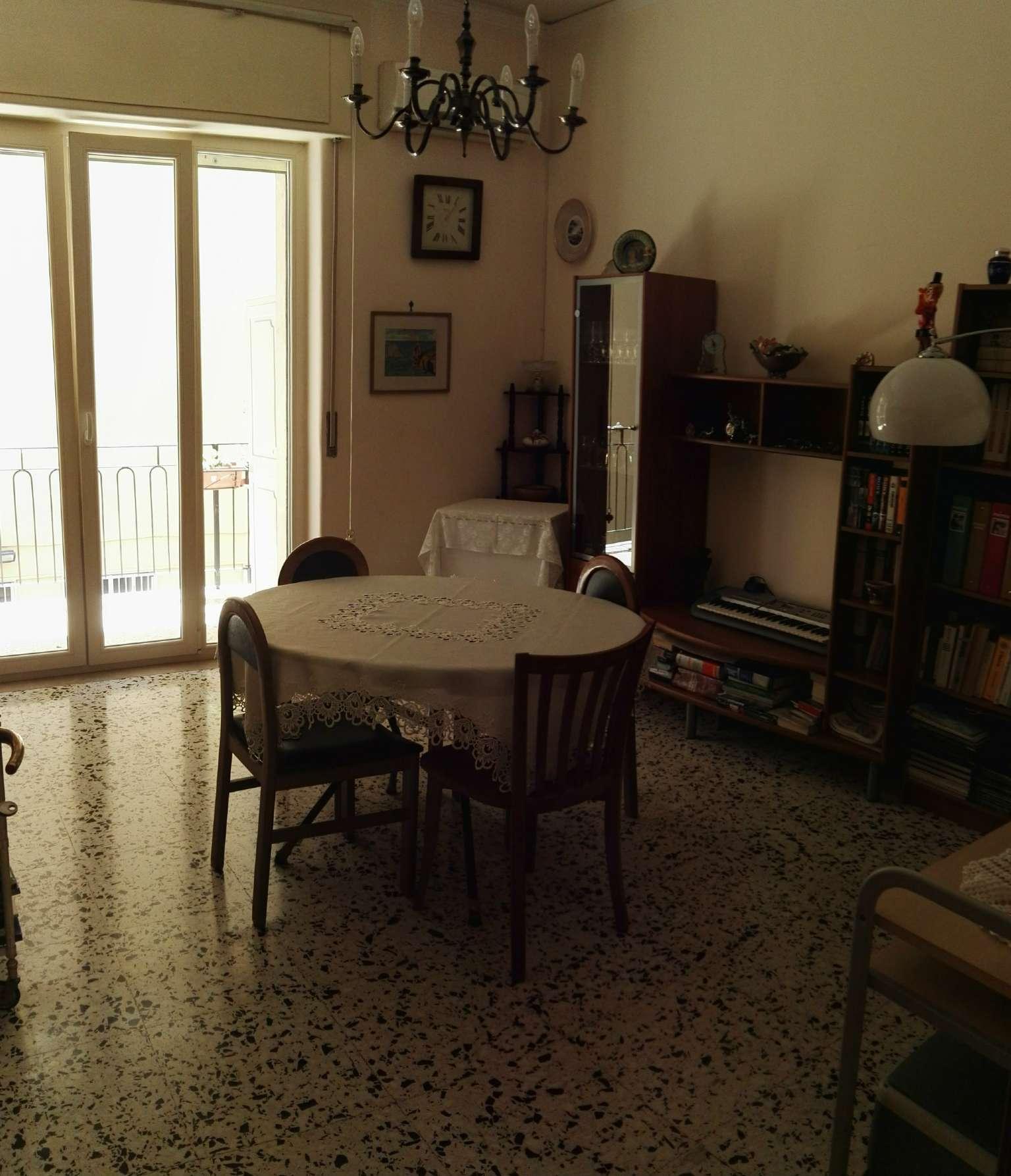 Bilocale Napoli Via Rodolfo Falvo 5