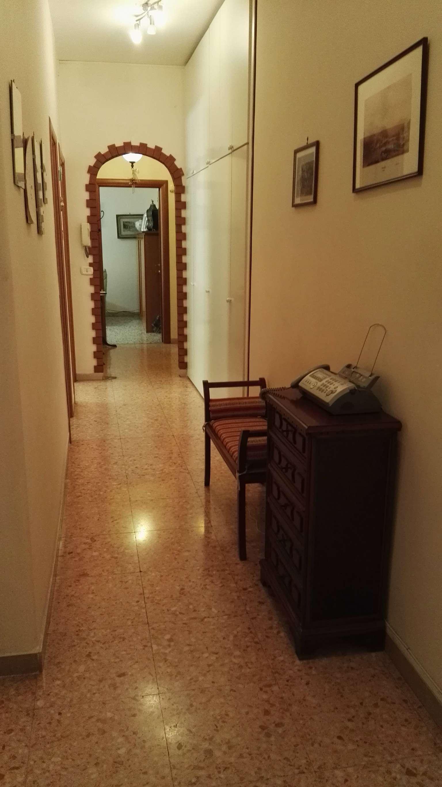 Bilocale Napoli Via Rodolfo Falvo 9