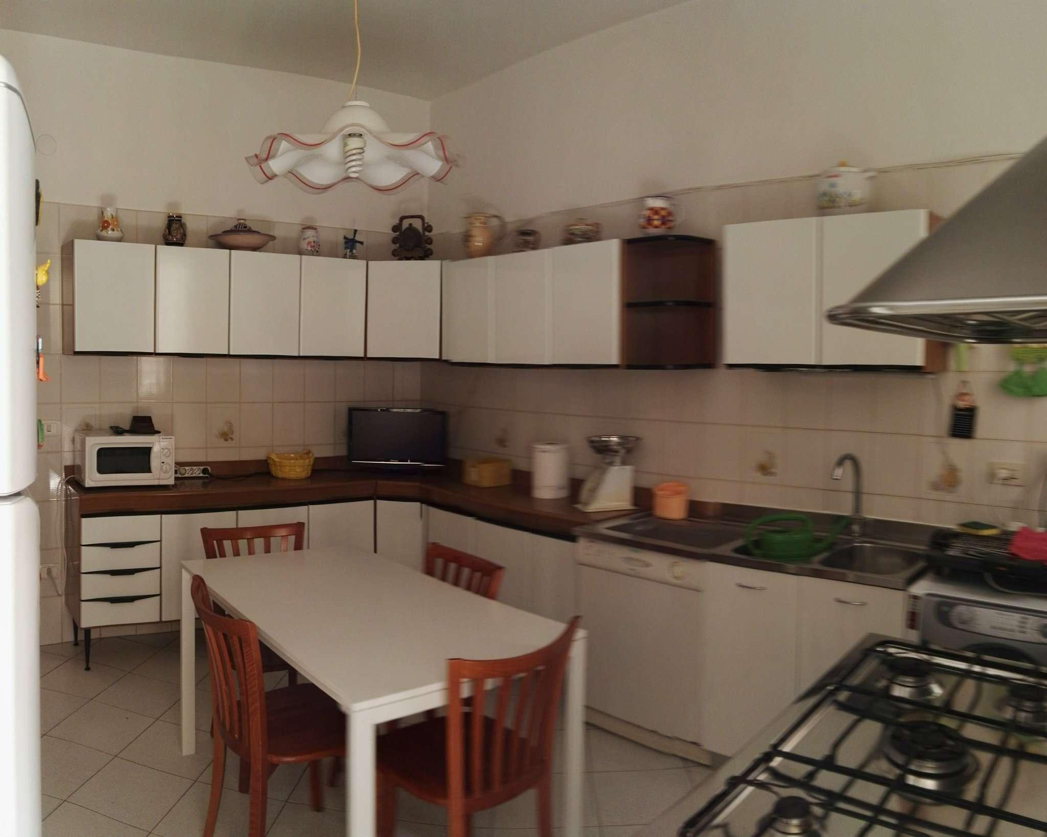 Bilocale Napoli Via Rodolfo Falvo 8