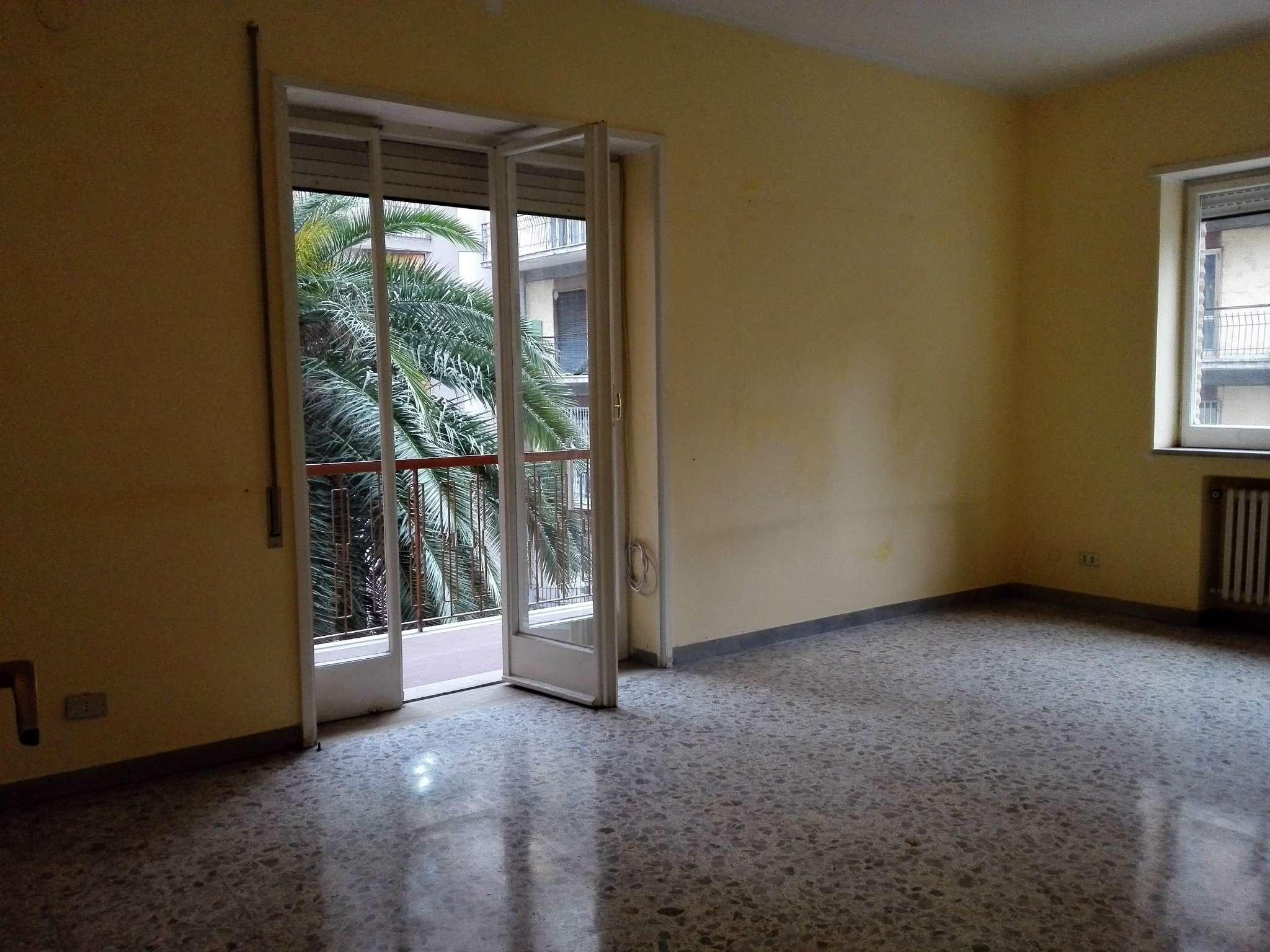 Bilocale Napoli Via Domenico Fontana 11