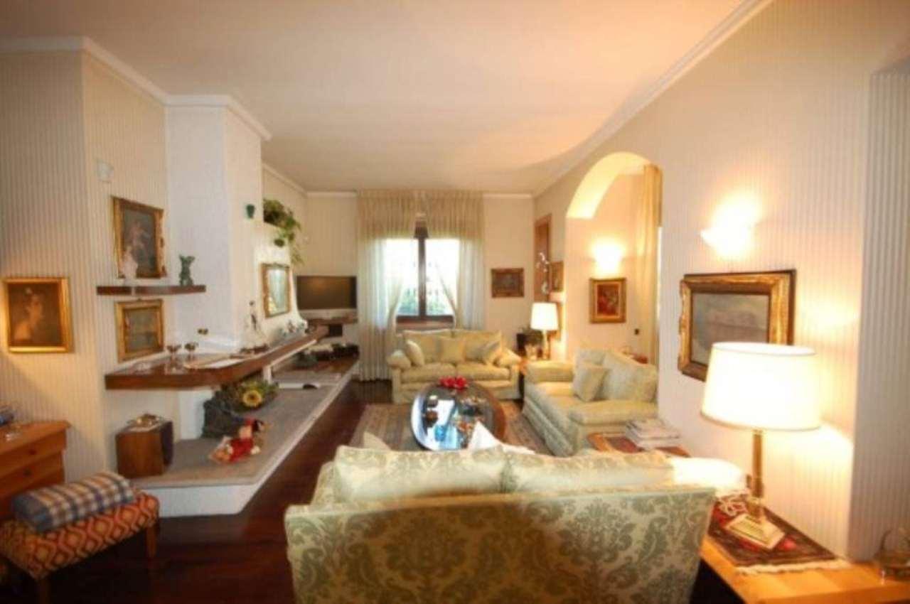 Villa in vendita a Vimercate, 6 locali, prezzo € 655.000 | Cambio Casa.it