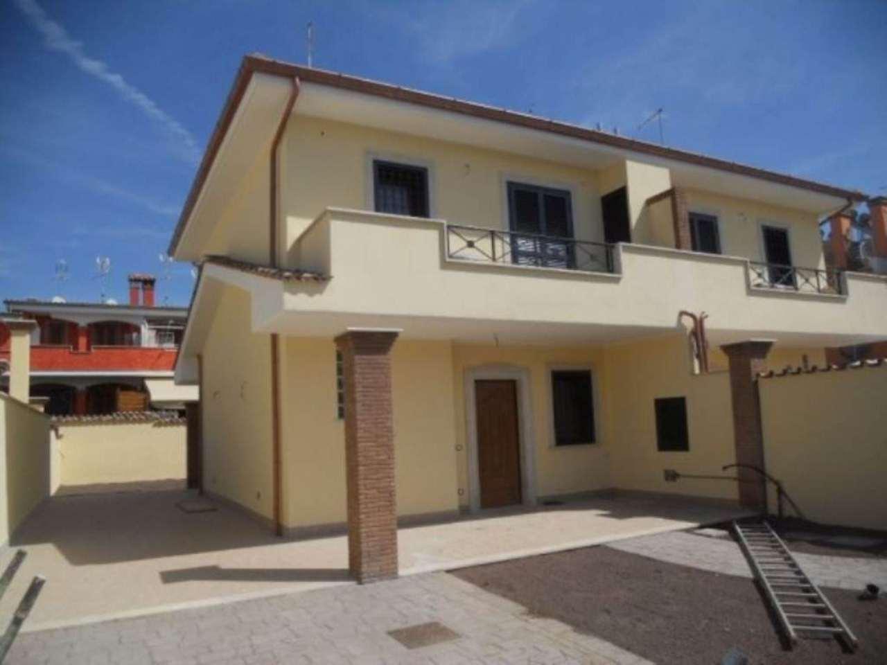 Villa in vendita a Pomezia, 4 locali, prezzo € 239.000 | Cambio Casa.it