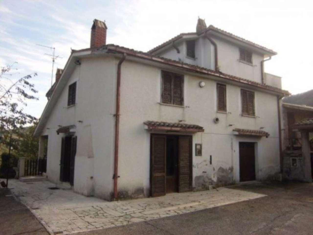 Villa in vendita a Bellegra, 6 locali, prezzo € 109.000 | Cambio Casa.it