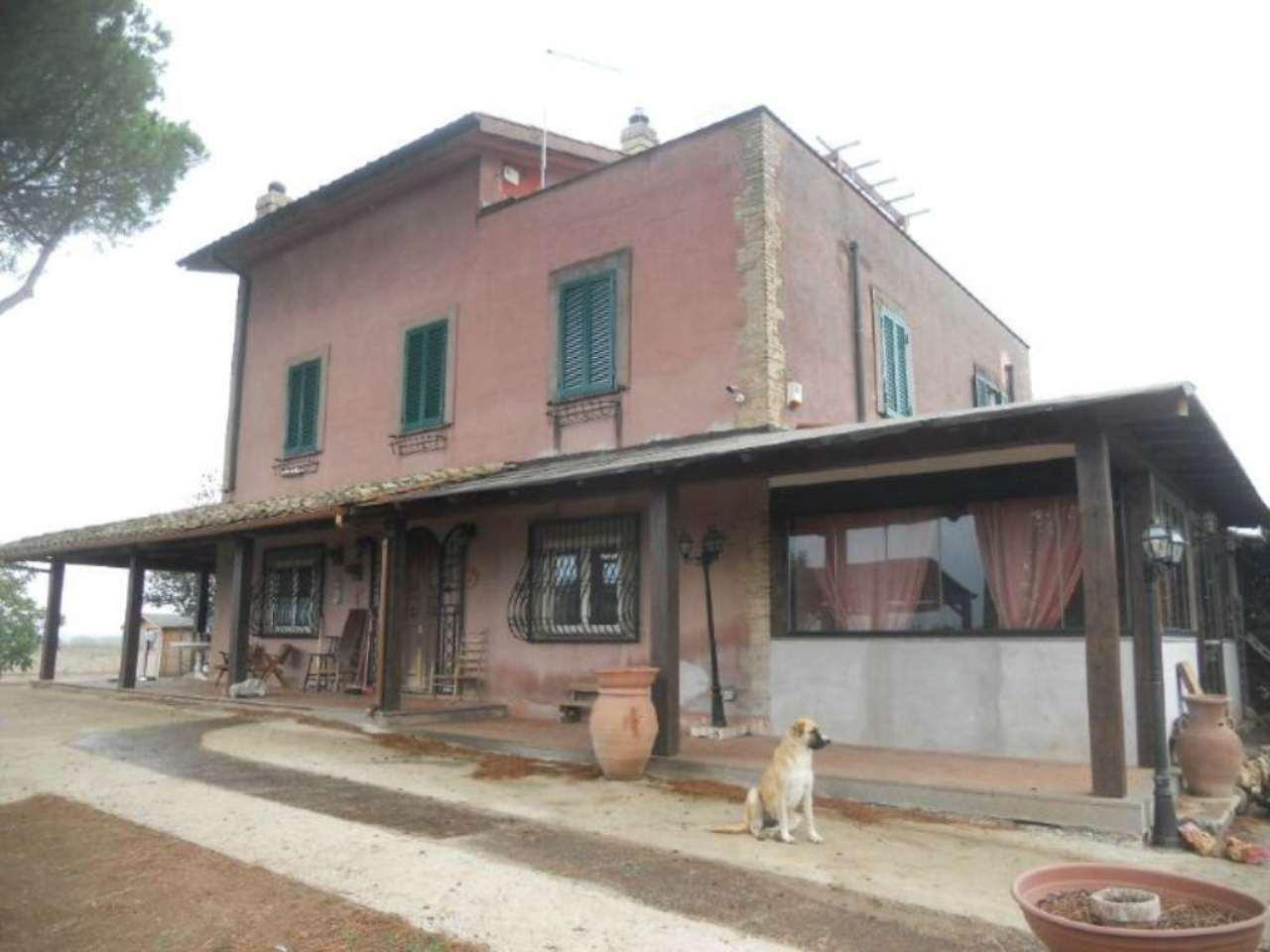 Rustico / Casale in vendita a Roma, 5 locali, zona Zona: 37 . Morena - Ciampino - Trigoria - Falcognana, prezzo € 695.000 | Cambio Casa.it