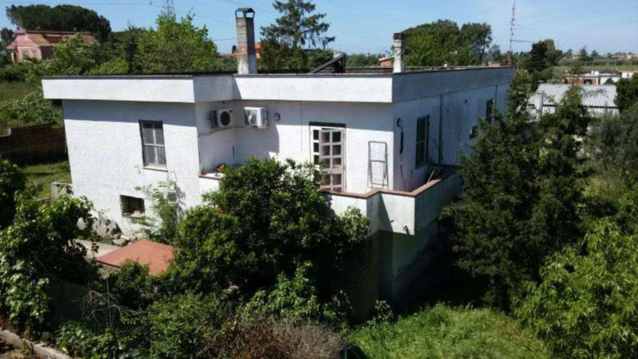 Villa in vendita a Aprilia, 6 locali, prezzo € 179.000 | CambioCasa.it