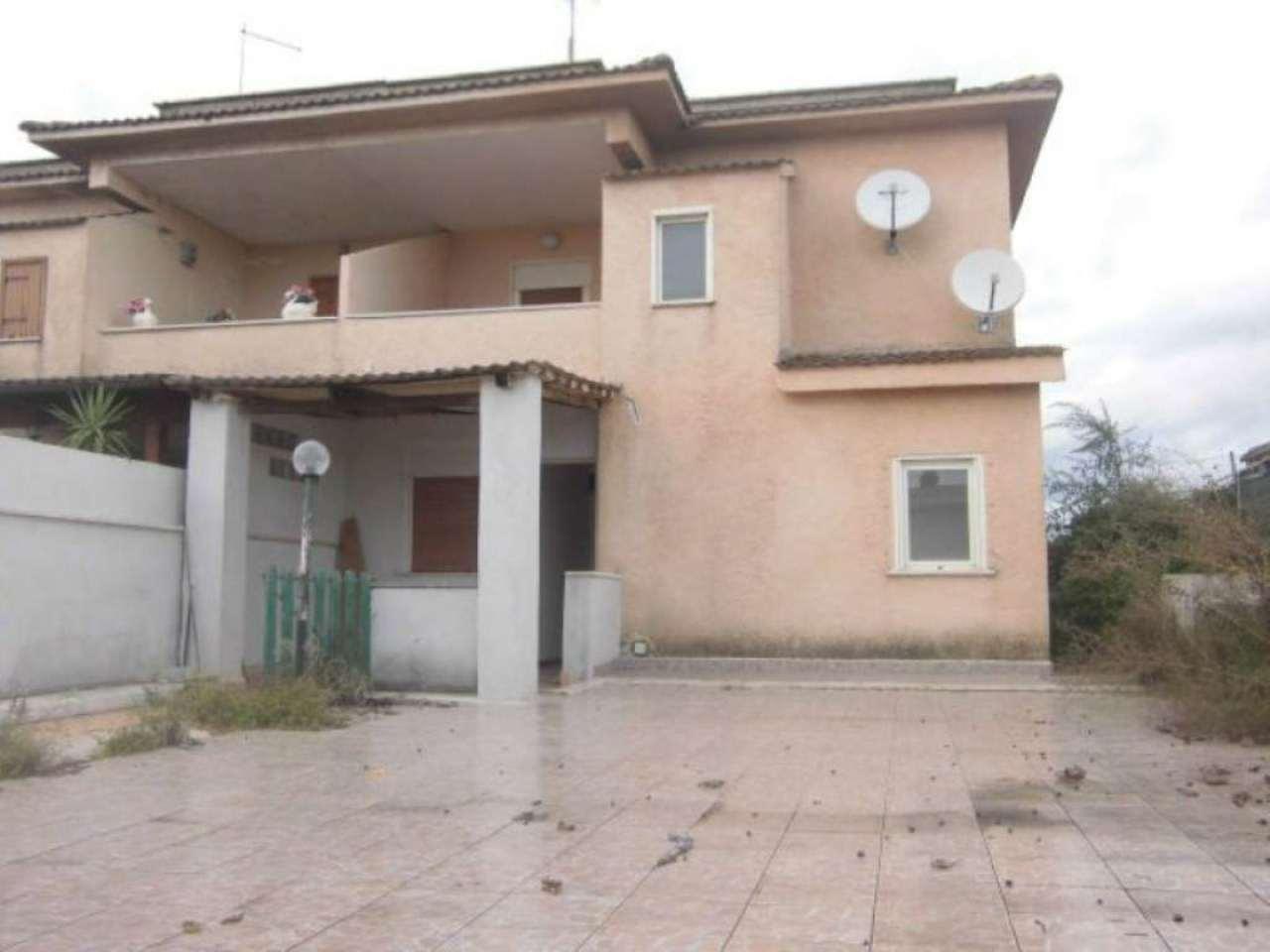 Villa Bifamiliare in vendita a Aprilia, 4 locali, prezzo € 109.000 | CambioCasa.it