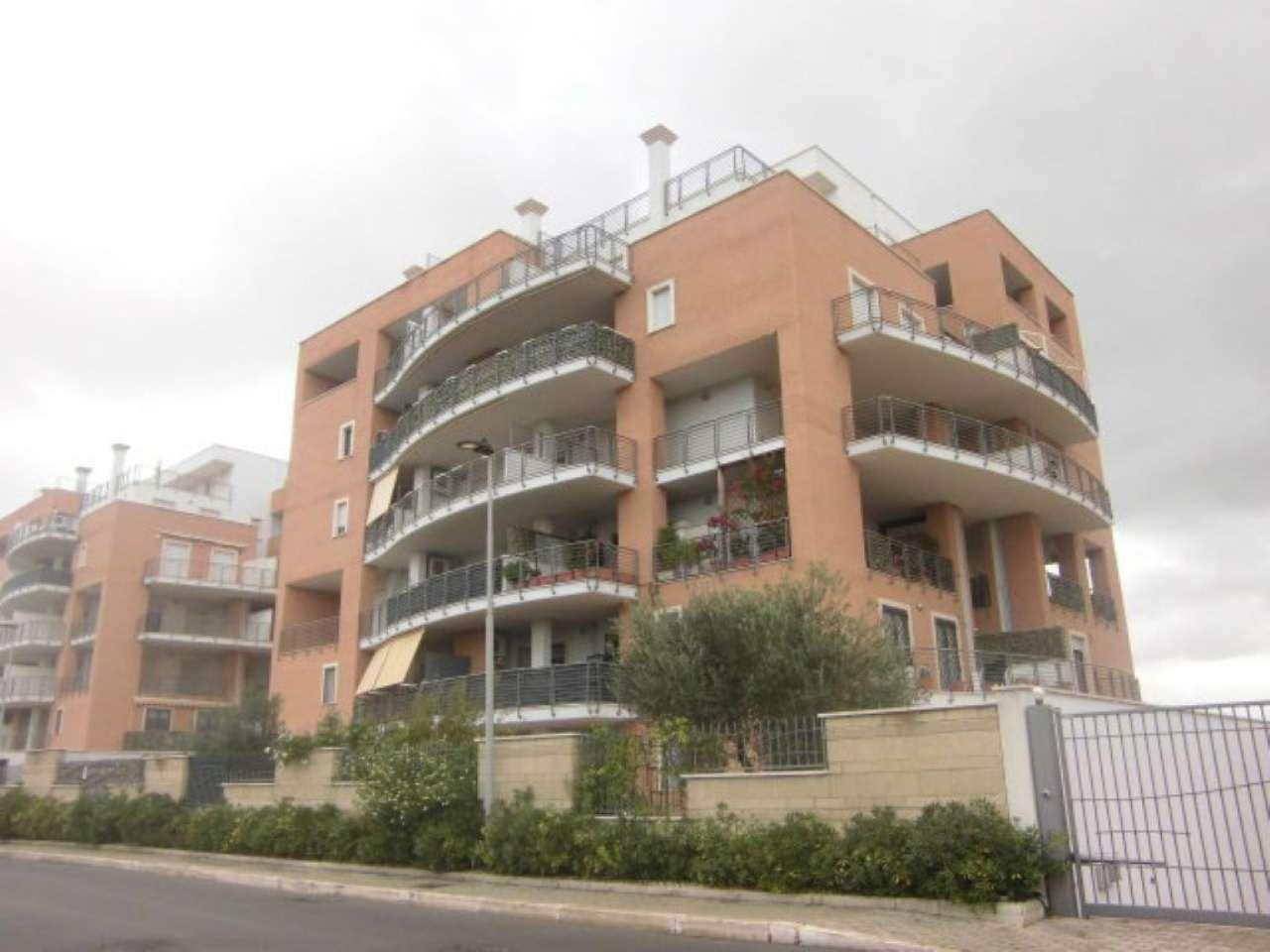 Appartamento in vendita a Pomezia, 2 locali, prezzo € 140.000 | CambioCasa.it