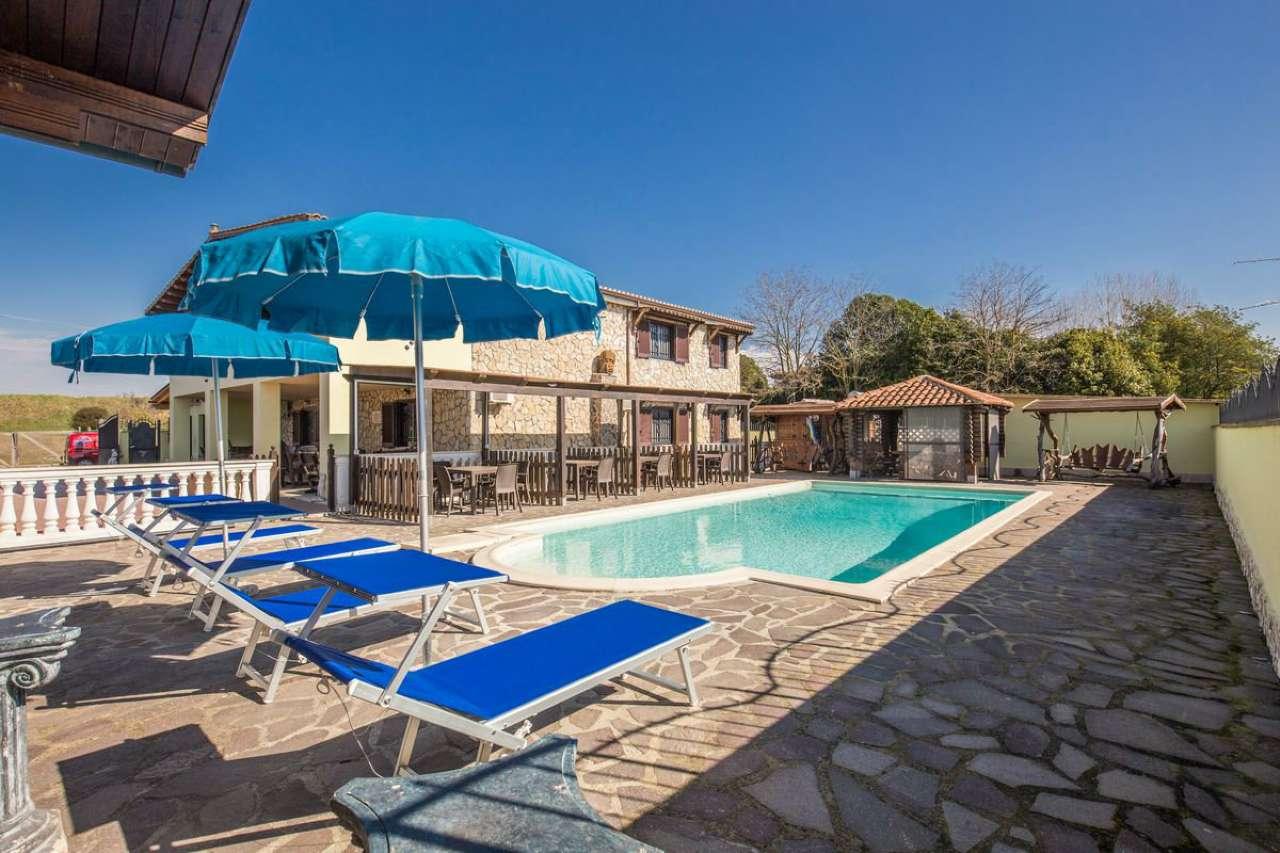 Rustico / Casale in vendita a Ardea, 9 locali, prezzo € 590.000 | CambioCasa.it