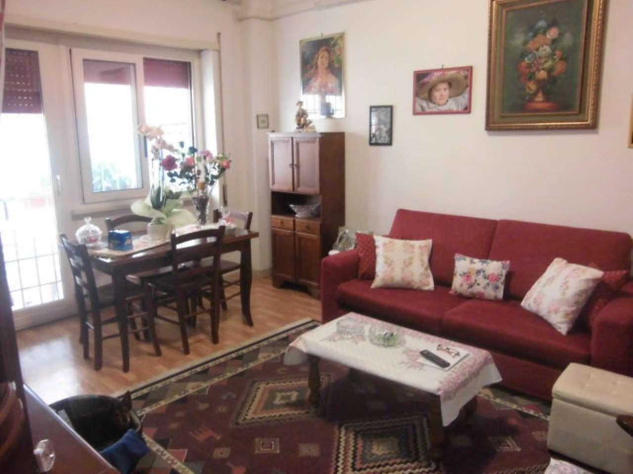 Appartamento in vendita a Pomezia, 2 locali, prezzo € 69.000   CambioCasa.it