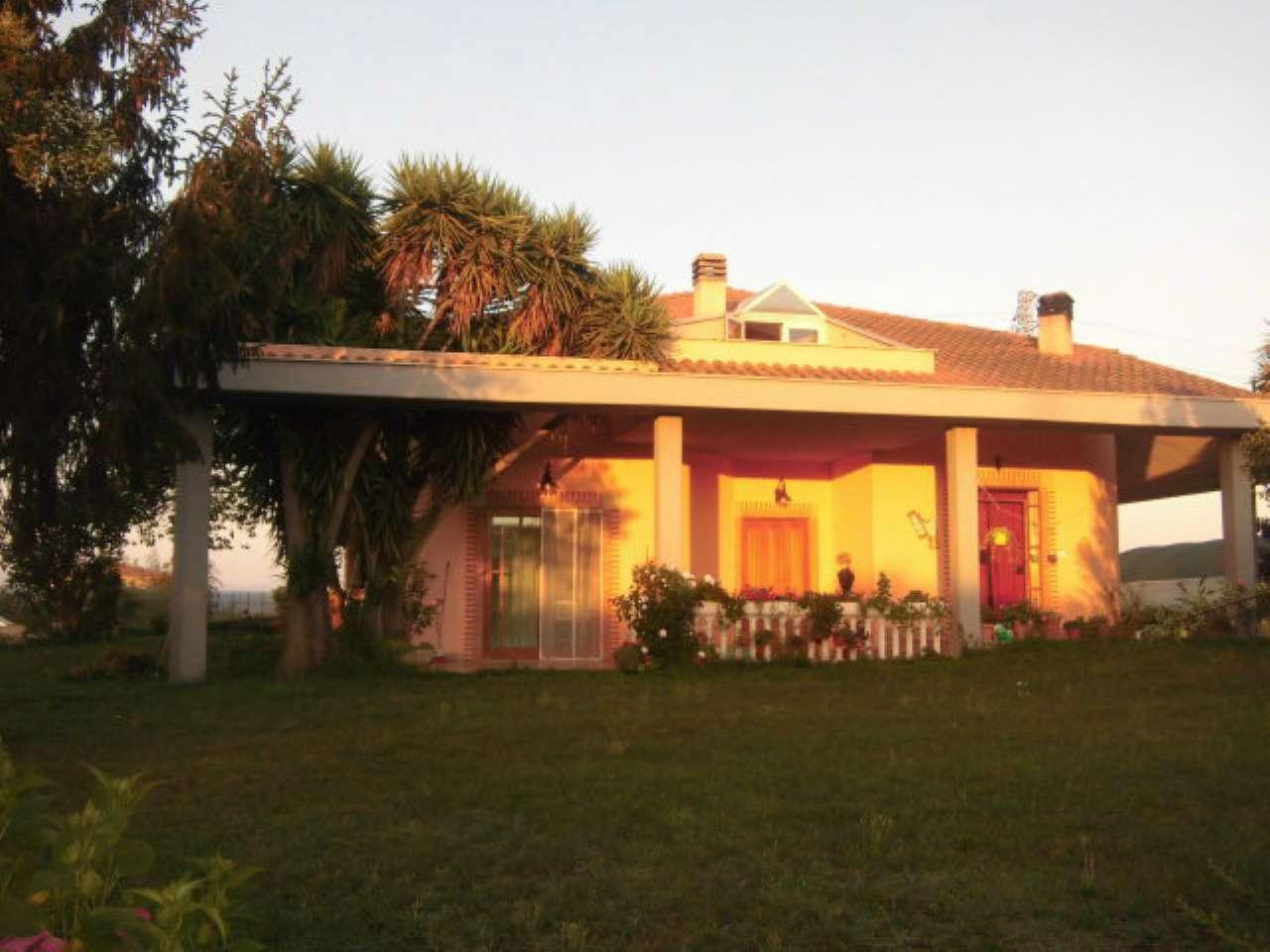 Villa in vendita a Aprilia, 5 locali, prezzo € 229.000 | CambioCasa.it