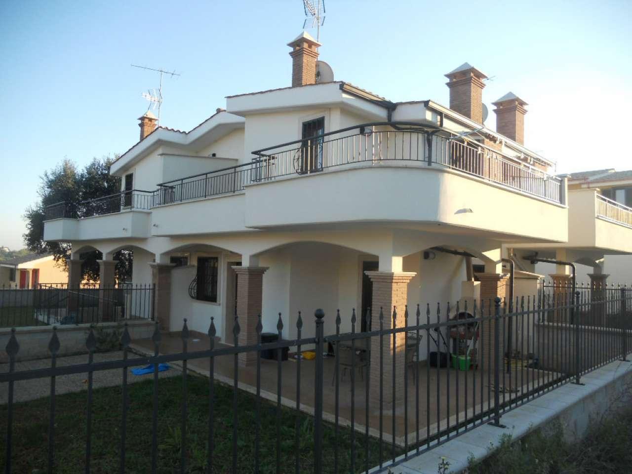 Villa Tri-Quadrifamiliare in affitto a Pomezia, 3 locali, prezzo € 550 | CambioCasa.it