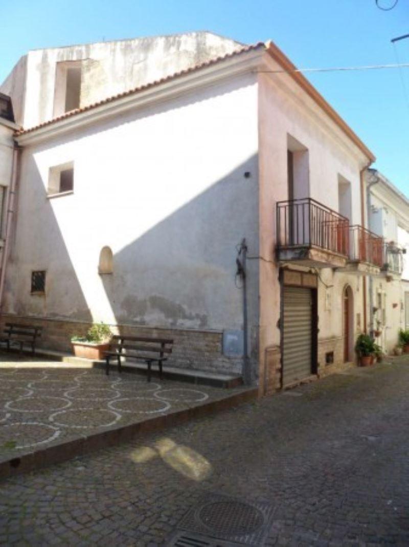 Soluzione Indipendente in vendita a Arpaia, 6 locali, prezzo € 115.000 | Cambio Casa.it