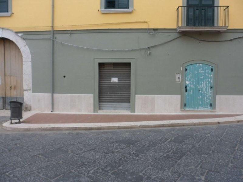 Negozio / Locale in affitto a Airola, 1 locali, prezzo € 350 | Cambio Casa.it