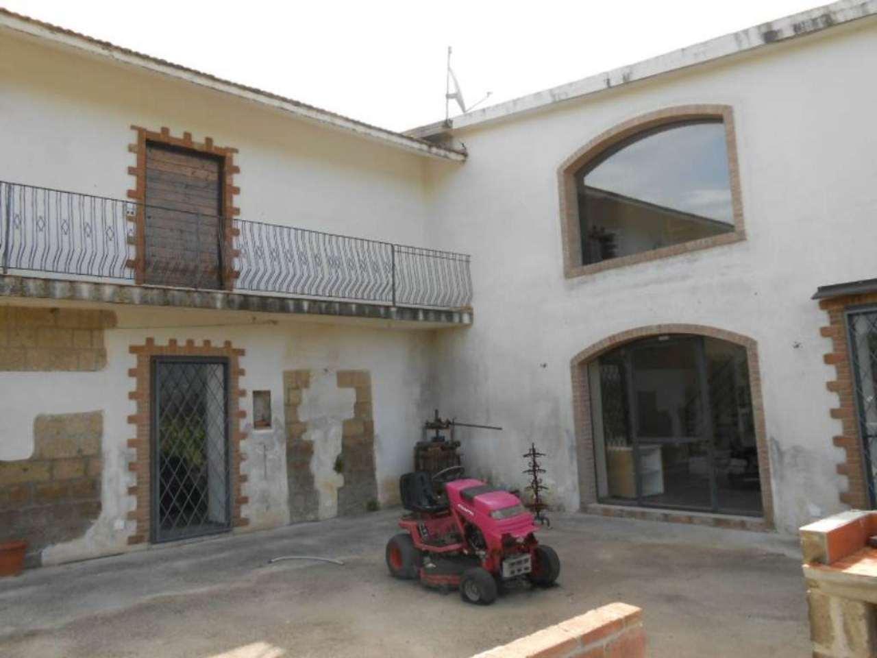 Soluzione Indipendente in vendita a Sant'Agata De' Goti, 8 locali, prezzo € 185.000 | CambioCasa.it