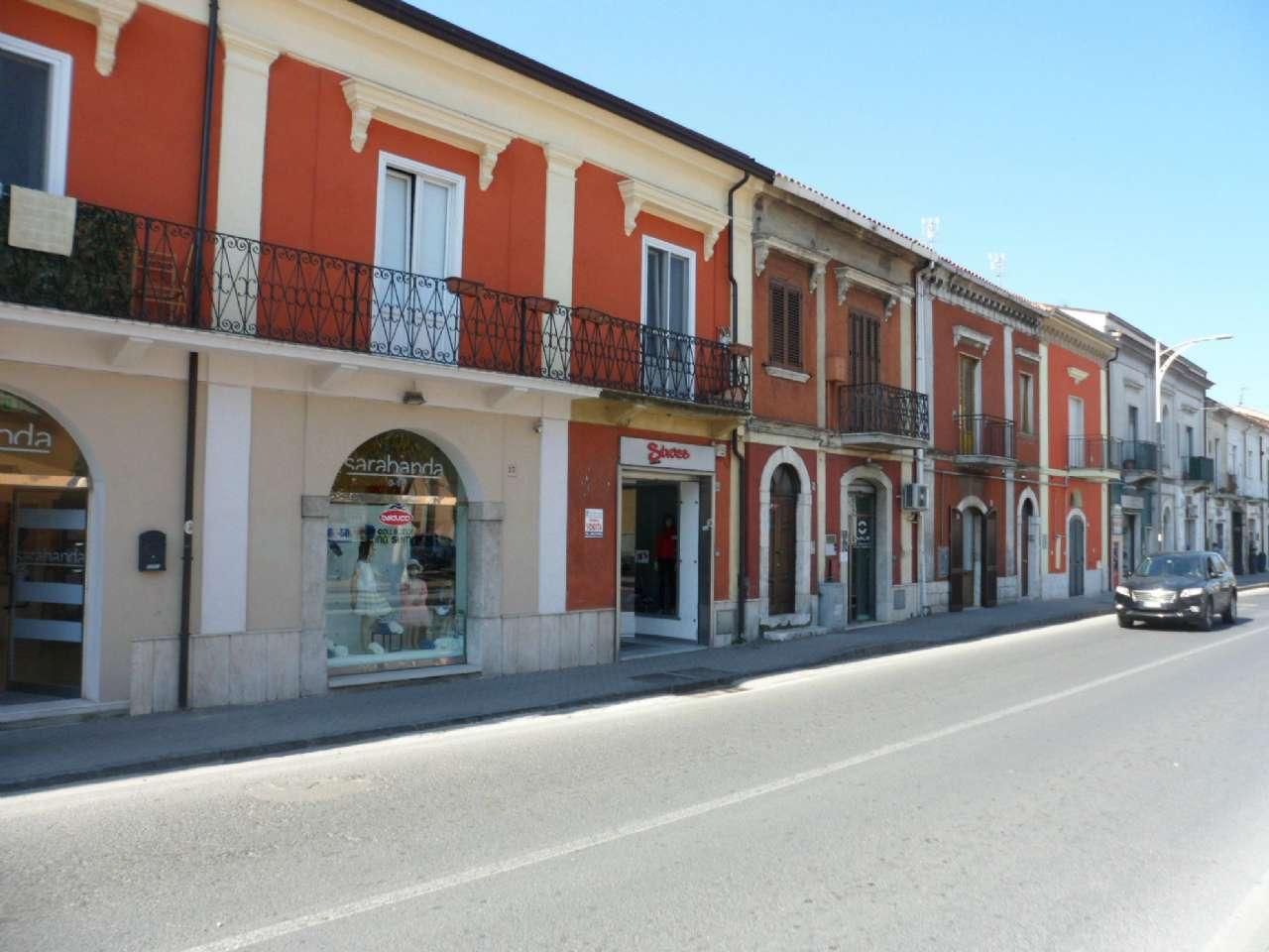 Negozio / Locale in vendita a Montesarchio, 1 locali, prezzo € 110.000 | CambioCasa.it