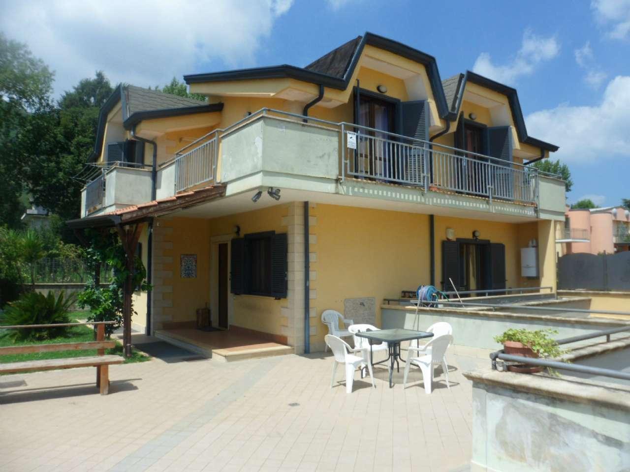 Villa in vendita a Airola, 6 locali, prezzo € 230.000 | CambioCasa.it