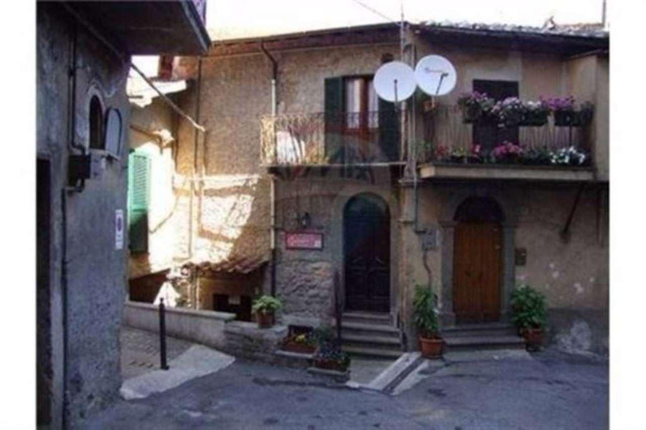 Palazzo / Stabile in vendita a Vignanello, 2 locali, prezzo € 95.000   Cambio Casa.it