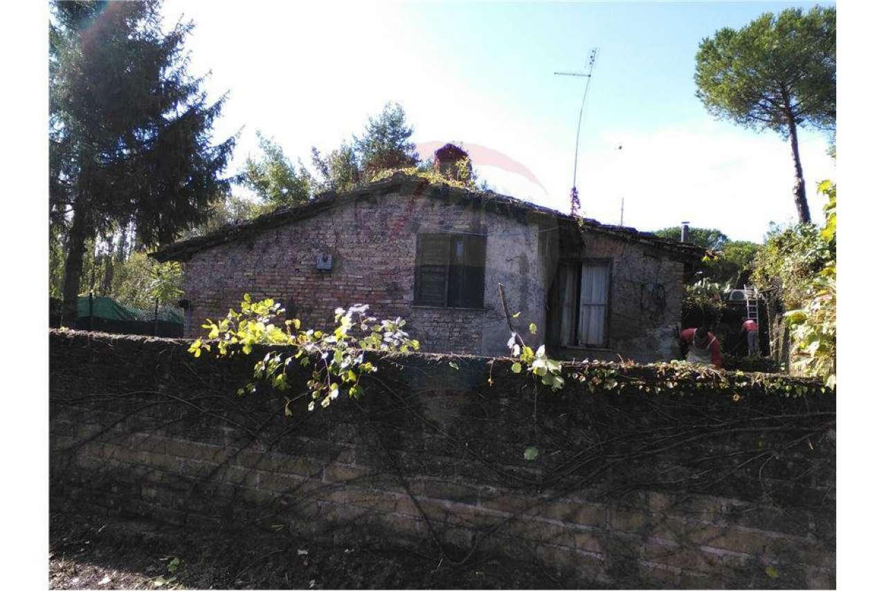 Rustico / Casale in vendita a Roma, 5 locali, zona Zona: 42 . Cassia - Olgiata, prezzo € 250.000 | Cambio Casa.it